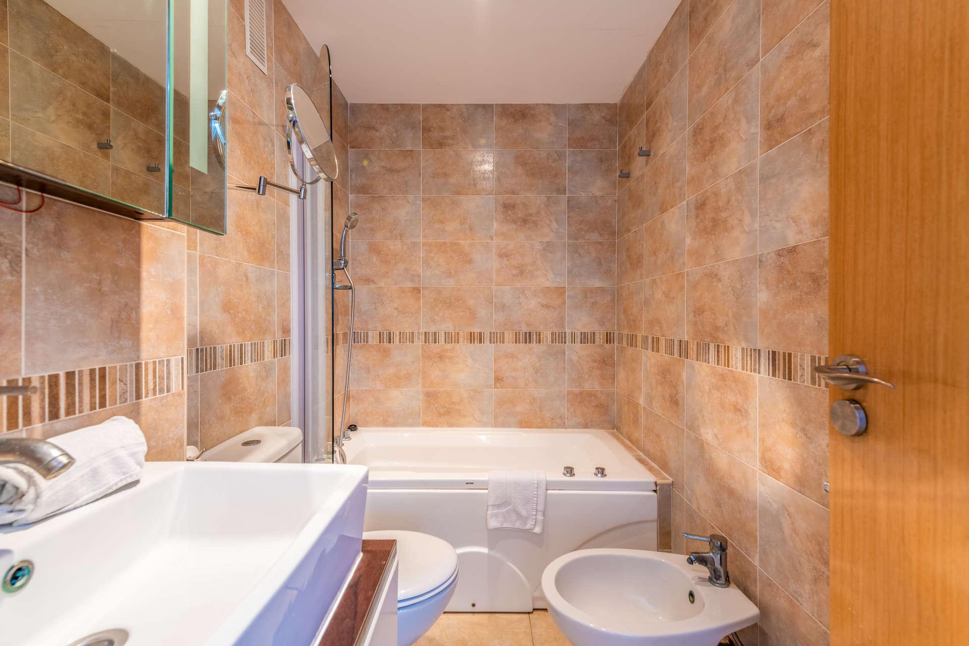 Baño Apartamentos de Vacaciones Oromarina Torremar